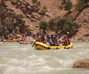 تور رفتینگ در رودخانه خروشان |رقص با ارمند| تعطیلات خرداد 95