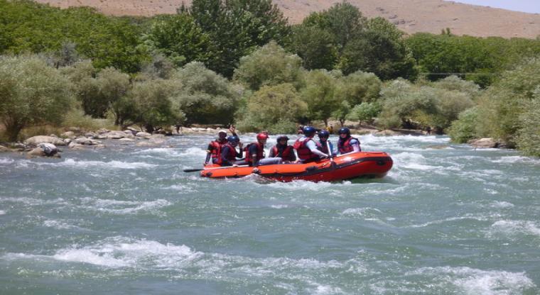تور رفتینگ رودخانه خروشان  هفته چهارم مرداد 